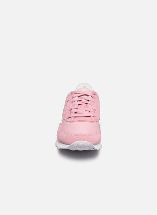 Sneakers Reebok Cl Nylon W Rosa modello indossato