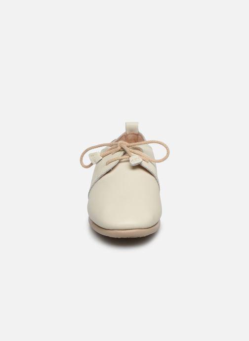 Zapatos con cordones Pikolinos Calabria W9K-4985 Beige vista del modelo