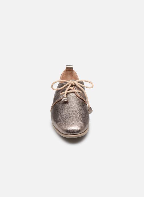 Zapatos con cordones Pikolinos Calabria W9K-4985CL Plateado vista del modelo