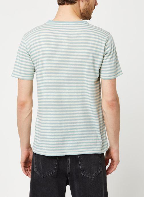 Vêtements Armor Lux T-Shirt Héritage Gris vue portées chaussures