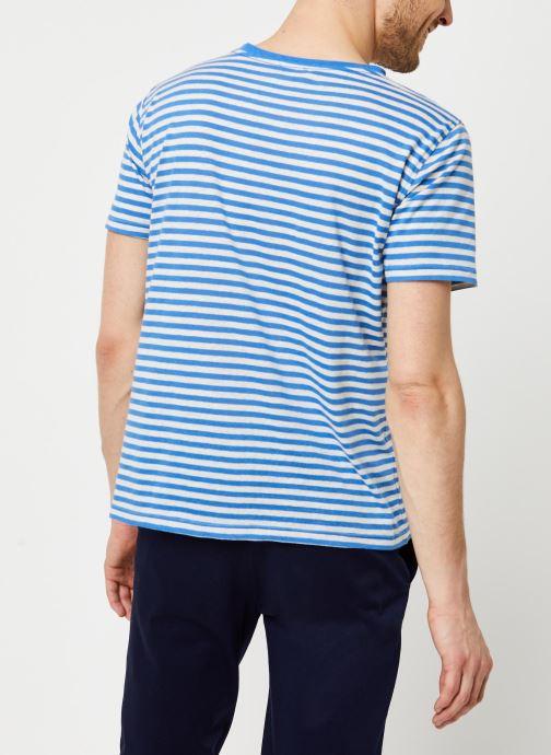 Vêtements Armor Lux T-Shirt Héritage Bleu vue portées chaussures