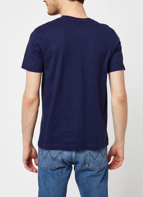 Vêtements Armor Lux T-Shirt Sérigraphié Bleu vue portées chaussures