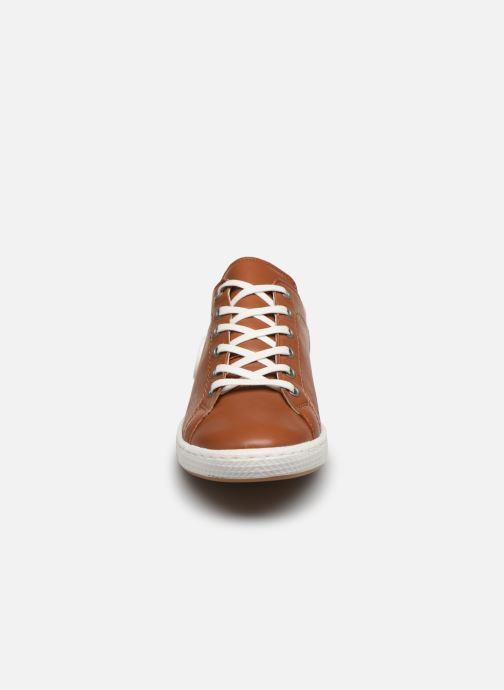 Baskets Pataugas JAYO F2E Marron vue portées chaussures