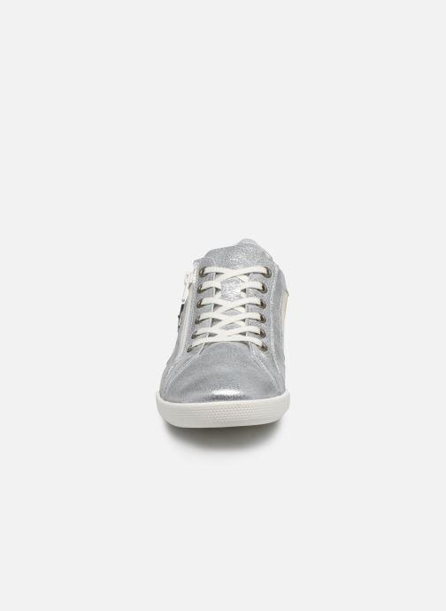 Sneakers Pataugas PAULINE/M F2F Argento modello indossato