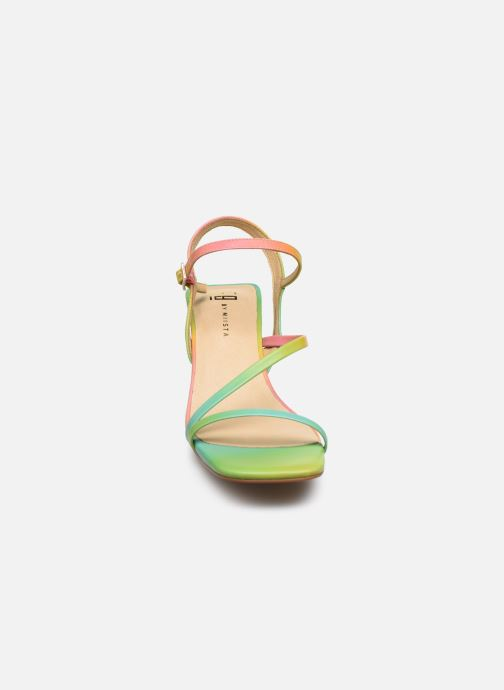Sandalias E8 by Miista Manaia Multicolor vista del modelo
