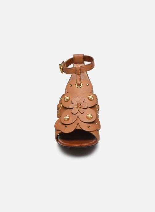 Sandales et nu-pieds See by Chloé Haya Howl Marron vue portées chaussures