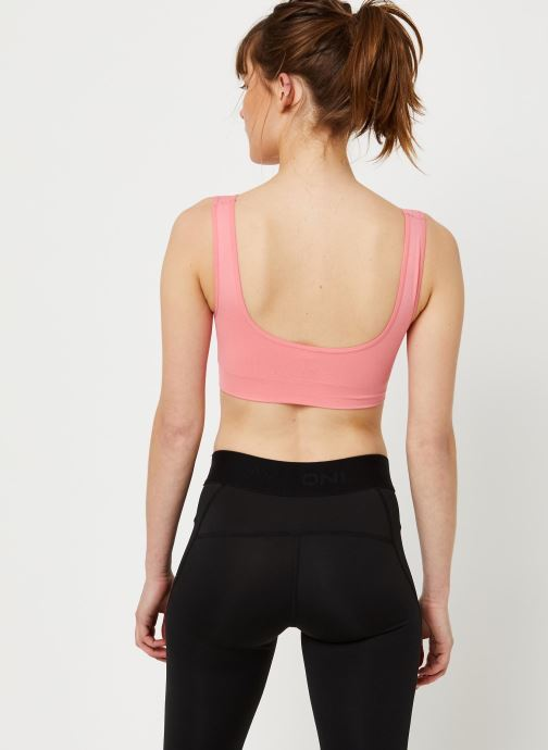 Vêtements Only Play Onpmira Seamless Sports Bra - Opus Rose vue portées chaussures
