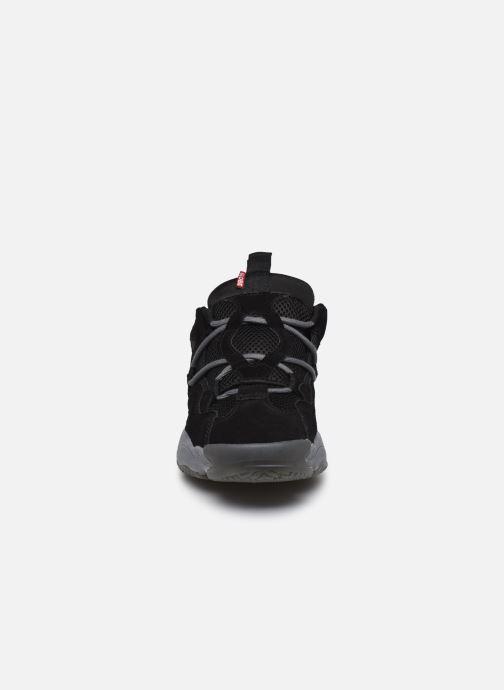Baskets Globe Otion Evo C Noir vue portées chaussures