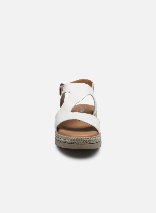 Sandales et nu-pieds Dorking Went D8234 Blanc vue portées chaussures
