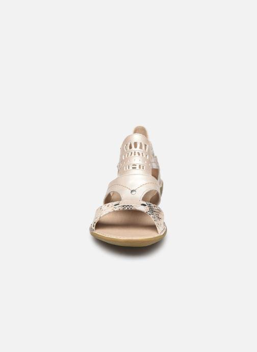 Sandales et nu-pieds Dorking Oda D6769 Blanc vue portées chaussures