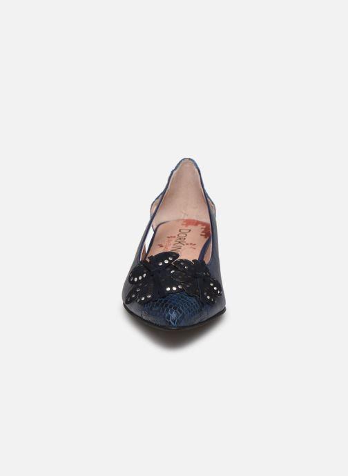 Ballerines Dorking Sun D7834 Bleu vue portées chaussures
