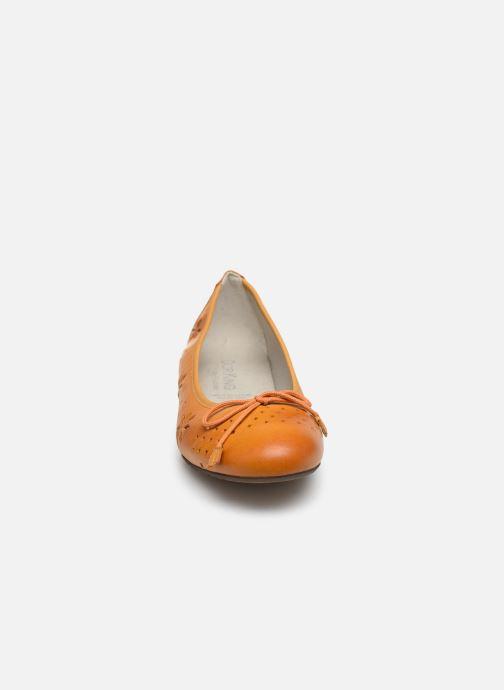 Ballerines Dorking Irem 8119 Jaune vue portées chaussures