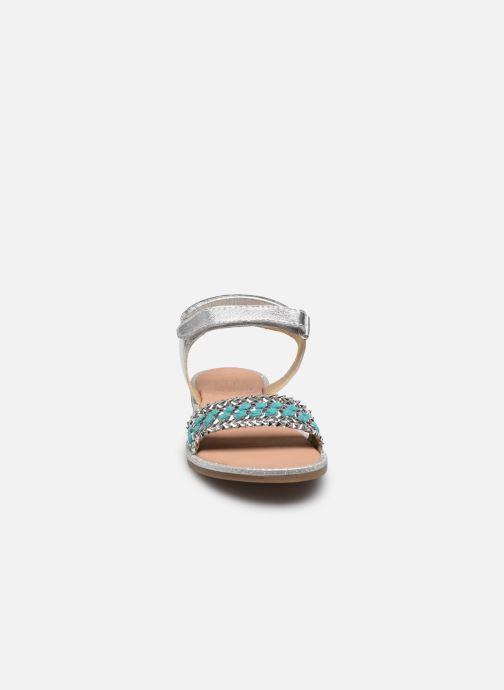 Sandales et nu-pieds Mod8 Pakaza Argent vue portées chaussures