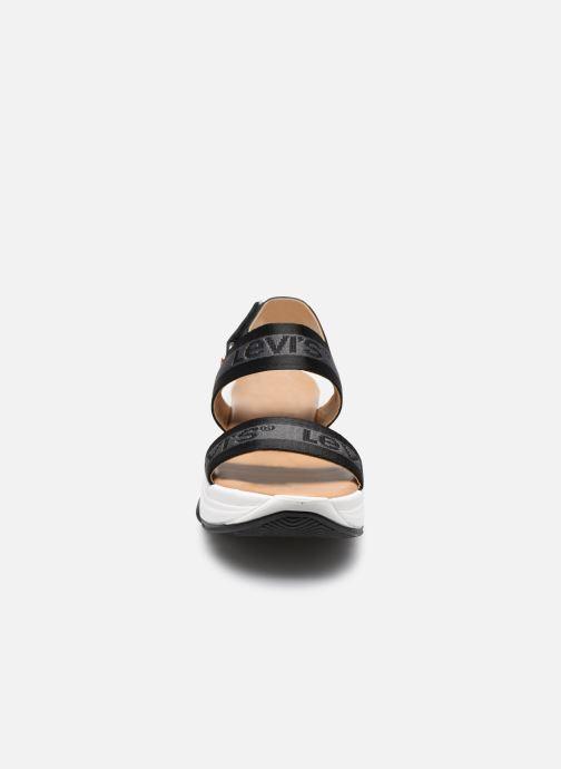 Sandali e scarpe aperte Levi's Lagunita Nero modello indossato