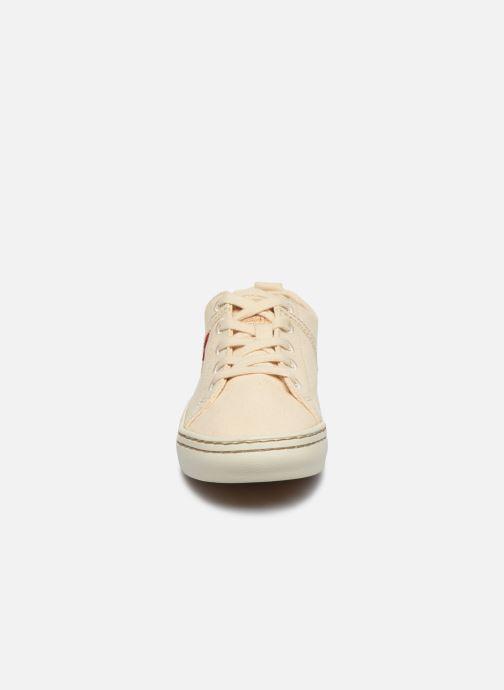 Baskets Levi's Sherwood Low W Beige vue portées chaussures