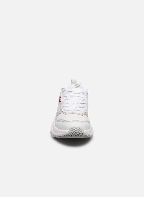 Baskets Levi's West W Blanc vue portées chaussures