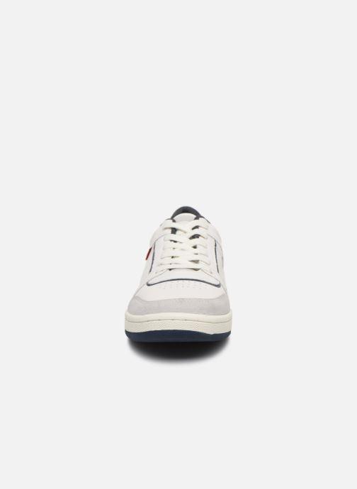 Baskets Levi's Wishon Blanc vue portées chaussures