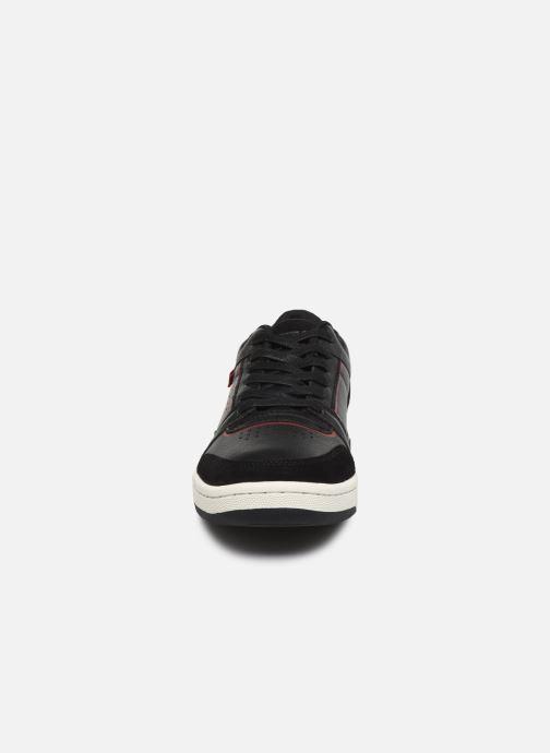 Baskets Levi's Wishon Noir vue portées chaussures