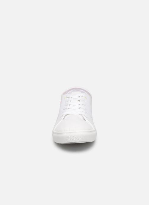 Baskets Levi's Pillsbury Blanc vue portées chaussures