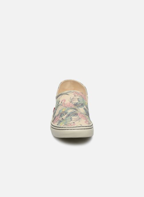 Baskets Levi's Sherwood Slip On Beige vue portées chaussures