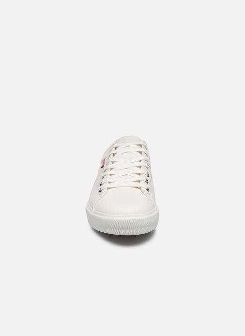 Baskets Levi's Woodward Blanc vue portées chaussures