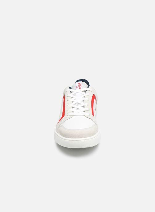Baskets Levi's Mullet 2.0 Blanc vue portées chaussures