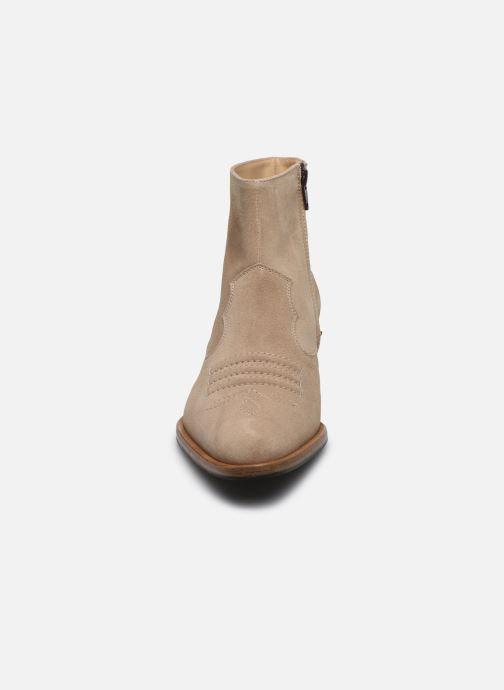 Stivaletti e tronchetti Free Lance JANE 5 WEST ZIP BOOT Beige modello indossato