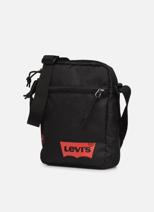 Bolsos de mano Levi's Mini Crossbody Solid (Red Batwing) Negro vista del modelo