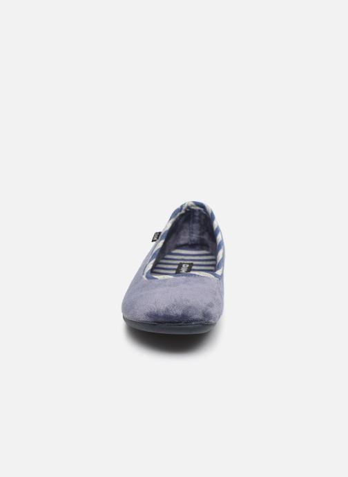Chaussons Dim D Tendu C Bleu vue portées chaussures