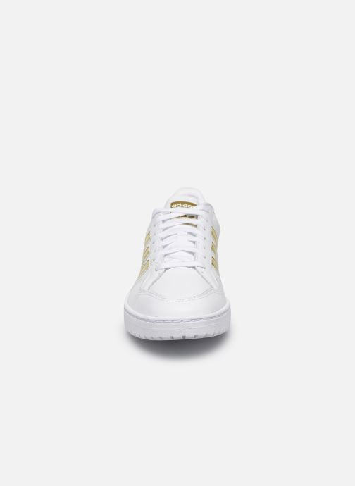 Baskets adidas originals Modern 80 Eur Court W Blanc vue portées chaussures