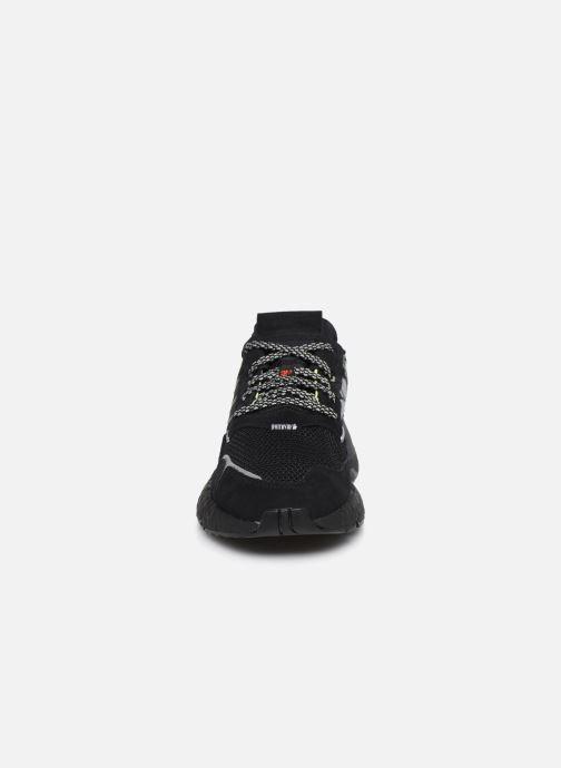 Sneakers adidas originals Nite Jogger Nero modello indossato