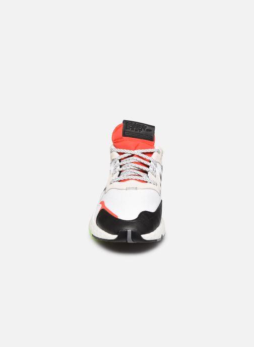 Deportivas adidas originals Nite Jogger M Blanco vista del modelo