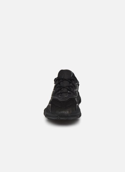 Sneaker adidas originals Ozweego schwarz schuhe getragen