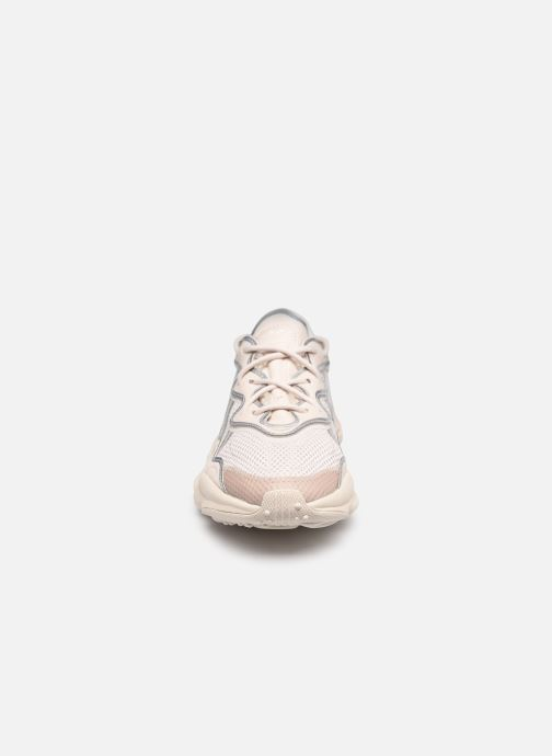 Sneaker adidas originals Ozweego W beige schuhe getragen