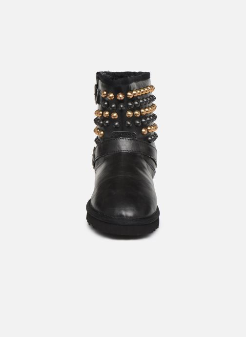 Ankle boots Colors of California Vibeke Black model view