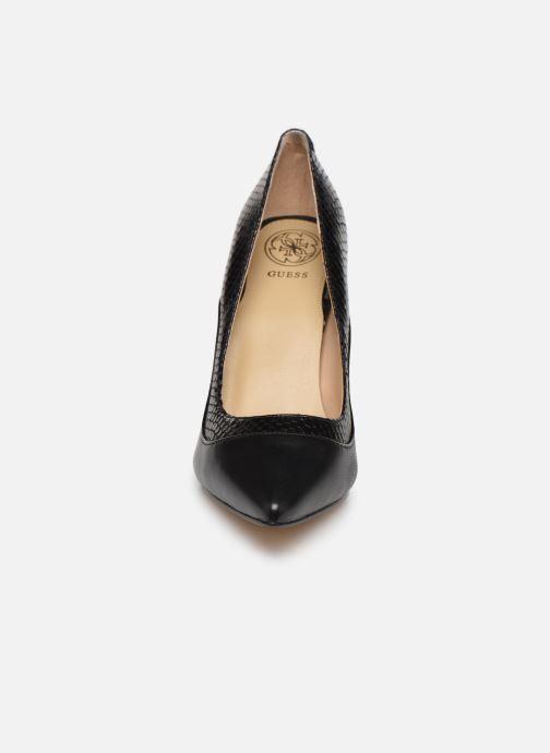 Zapatos de tacón Guess OMARA Negro vista del modelo