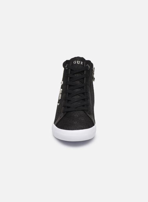Baskets Guess PORTLY2 Noir vue portées chaussures