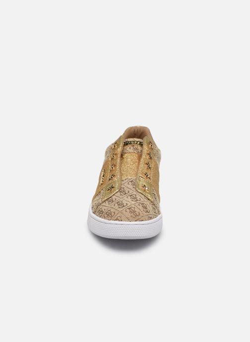 Baskets Guess RUSH2 Or et bronze vue portées chaussures