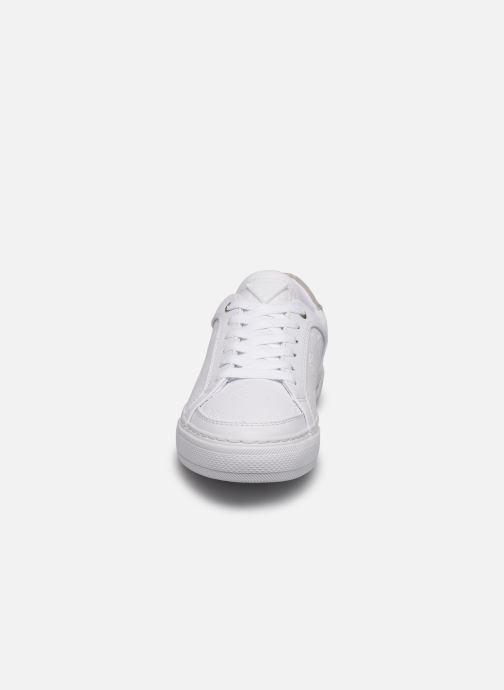 Baskets Guess GRANSIN Blanc vue portées chaussures