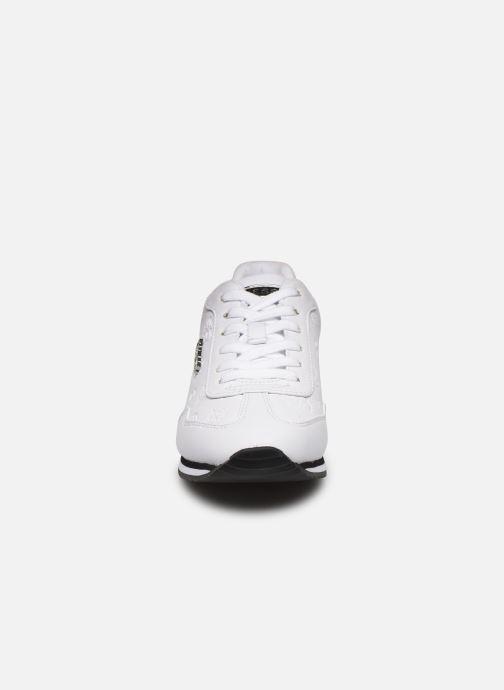 Baskets Guess CHARLIN2 Blanc vue portées chaussures