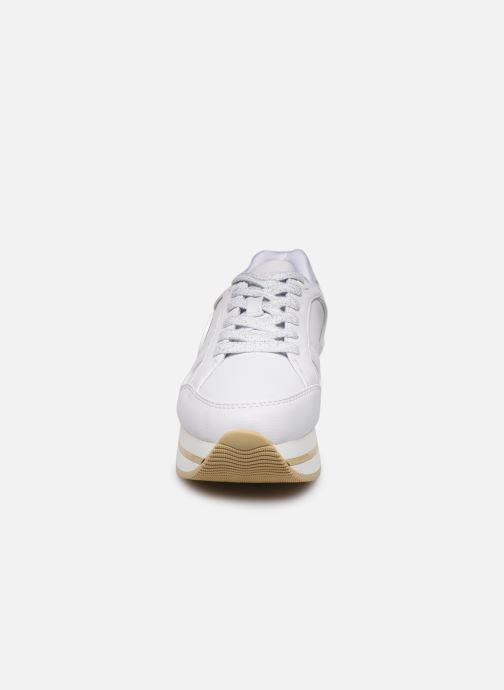 Baskets Guess DEALIA Blanc vue portées chaussures