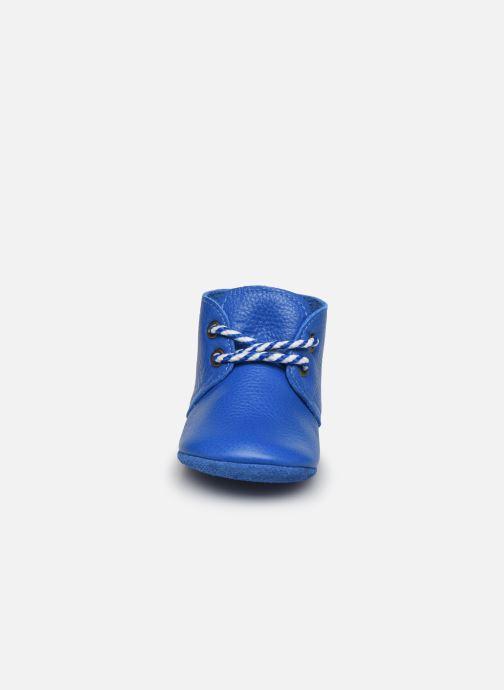 Pantofole Poco Nido Blue Midi Boot Azzurro modello indossato
