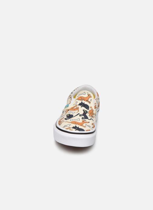 Sneaker Vans UY Classic Slip-On weiß schuhe getragen