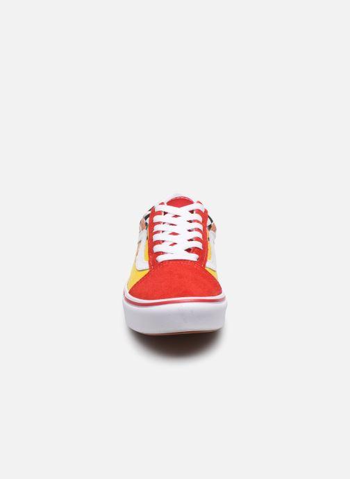 Sneaker Vans UY ComfyCush Old Skool rot schuhe getragen