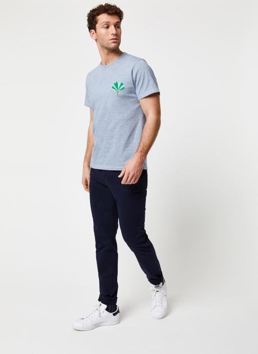 Vêtements Cuisse de Grenouille Tee Shirt - Leaf Bleu vue bas / vue portée sac