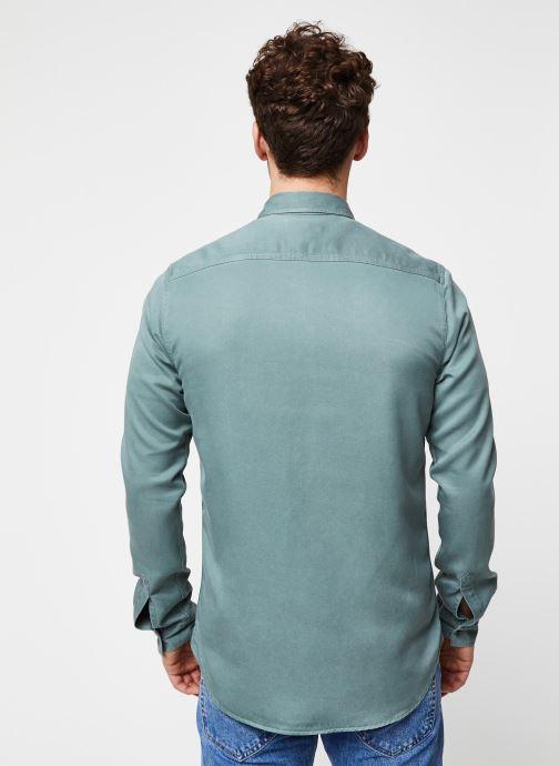 Vêtements Cuisse de Grenouille Shirt – Tencel Denim Vert vue portées chaussures