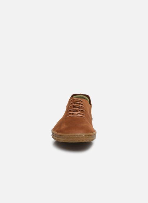 Baskets El Naturalista Amazonas N5390 Marron vue portées chaussures