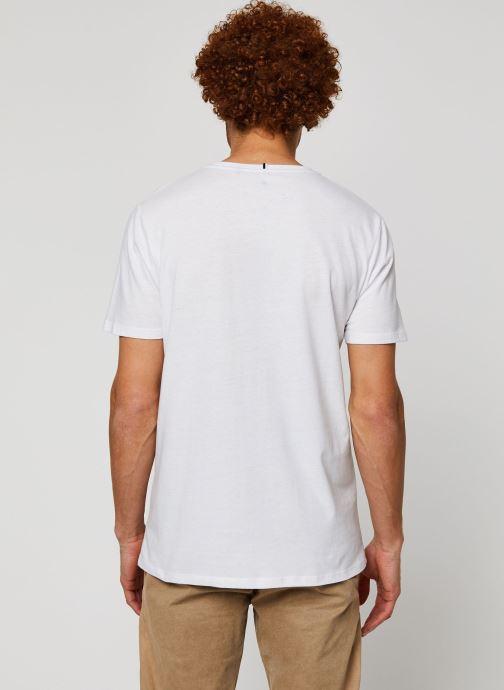 Vêtements Faguo ARCY T-SHIRT Blanc vue portées chaussures