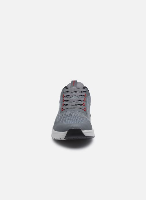 Sneaker Skechers ULTRA GROOVE grau schuhe getragen