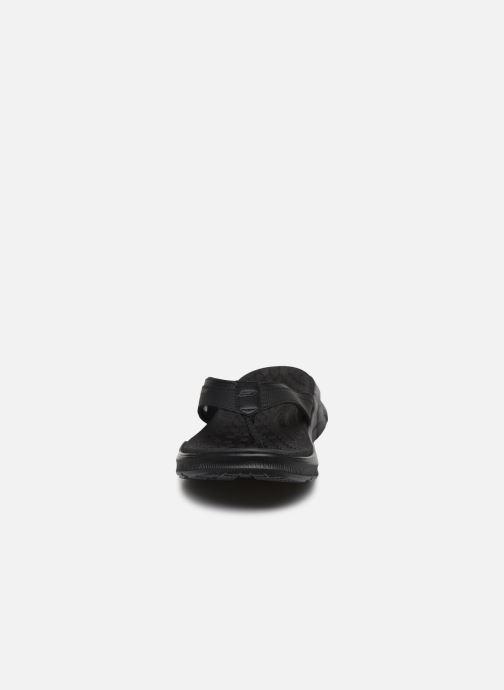 Chanclas Skechers EQUALIZER 4.0 Sandal Seraza Negro vista del modelo